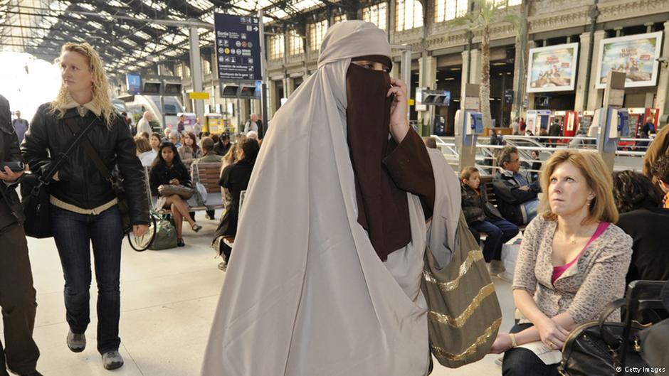 burka essay Purdah or pardah is the term used primarily in south asia to describe in the  south asian  the usual purdah garment worn is a burqa, which may or may not  include a yashmak, a veil to conceal the face the eyes may or may not be  exposed.