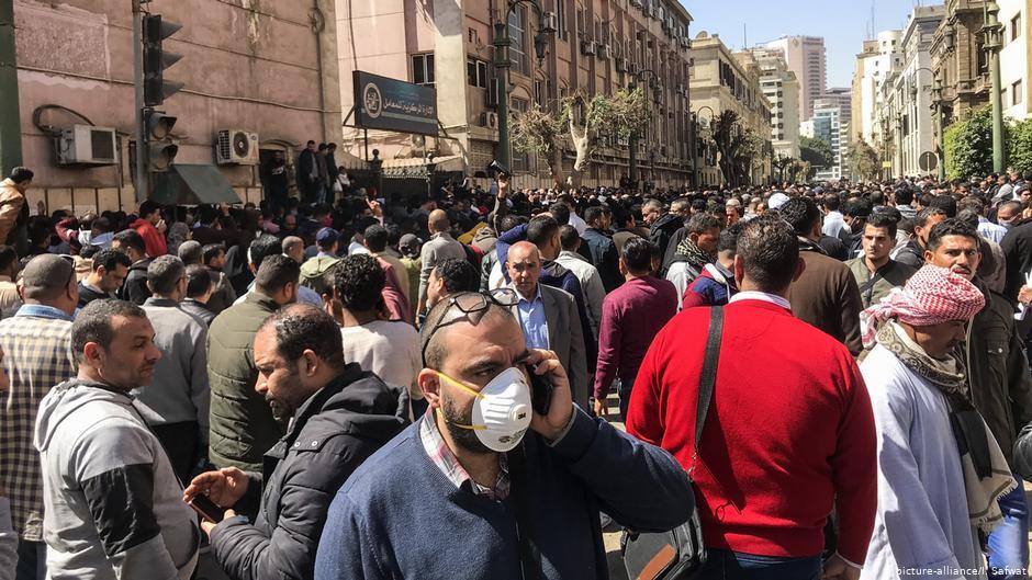Covid 19 In North Africa Corona Proactivity In Tunisia Trivialisation In Egypt Qantara De