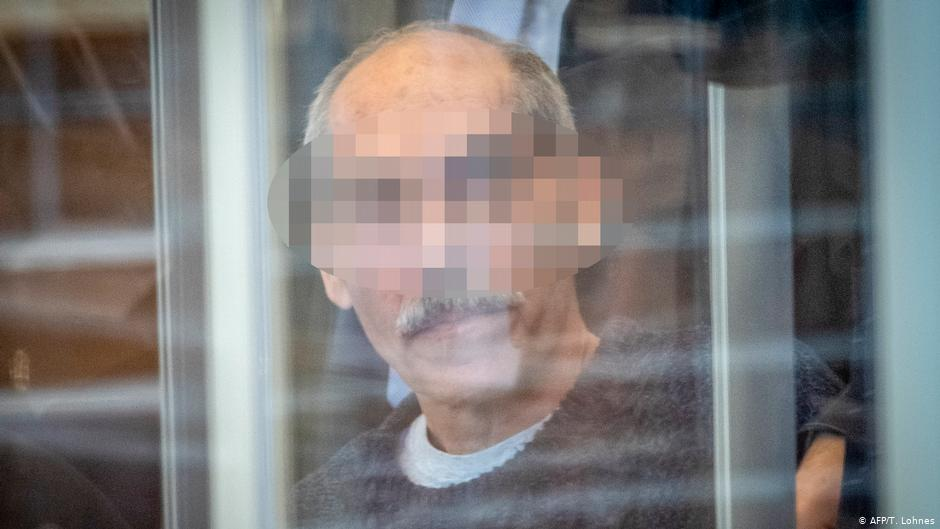 Anwar R: Syrian ex-secret police stand trial in Germany...