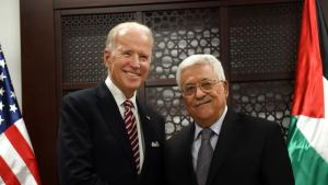 Joe Biden and Palastinian President Mahmoud Abbas (photo: Debbie Hill/AP Photo/picture alliance)